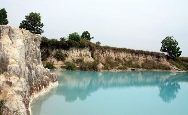 Danau Biru kota Singkawang