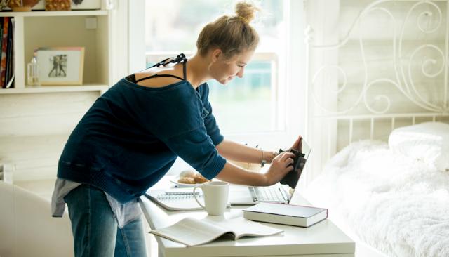 Το 69% των Ελλήνων πιστεύει ότι η θέση της γυναίκας είναι στο σπίτι