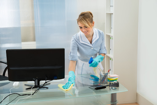 5 Reasons to Use Office Cleaning Services