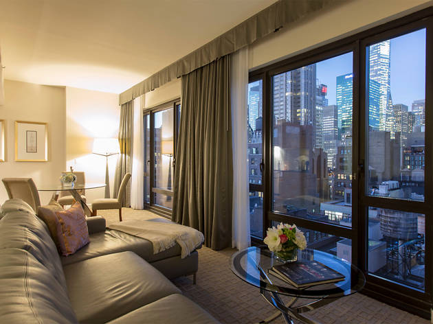 Enjoy world class service at the Executive Hotel Le Soleil New York, proud recipient of the coveted AAA Four Diamond Award. The Executive Hotel Le Soleil team promises to make the best of each and every visit with thoughtful service and amenities.