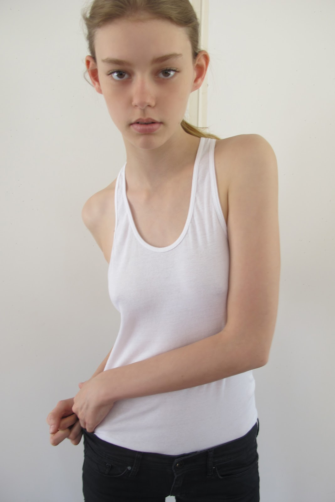 Advertisement hot arab teen body