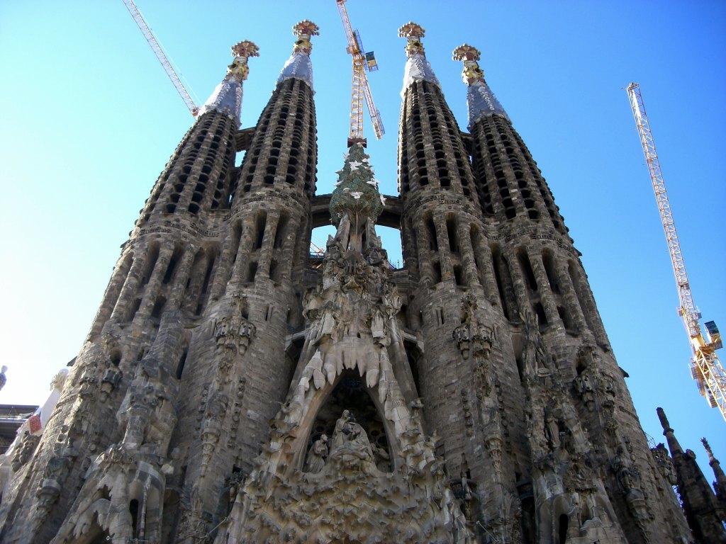 Familia: Beautiful Places Of Barcelona