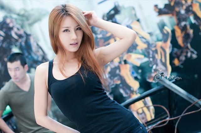 Model Cantik Korea Park Si Hyun