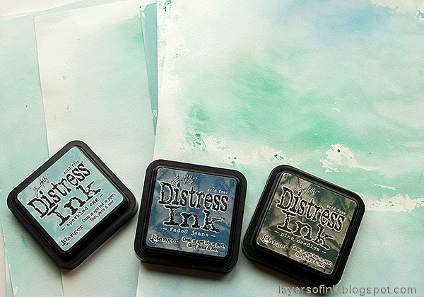 Layers of ink - December Countdown Calendar Tutorial by Anna-Karin Evaldsson. Ink with Distress Ink.
