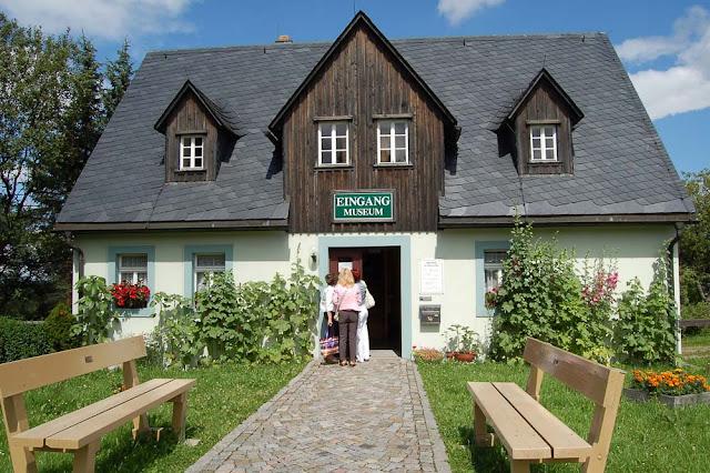 Зайфен (Seiffen), Германия, город деревянной игрушки - вход в музей под открытым небом