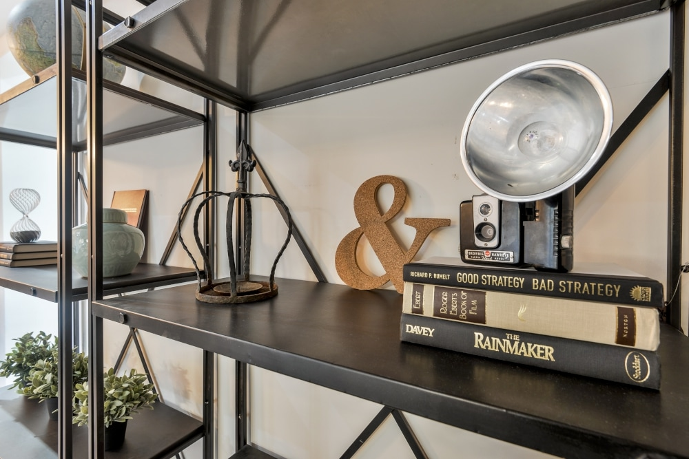tips to styling your bookshelf