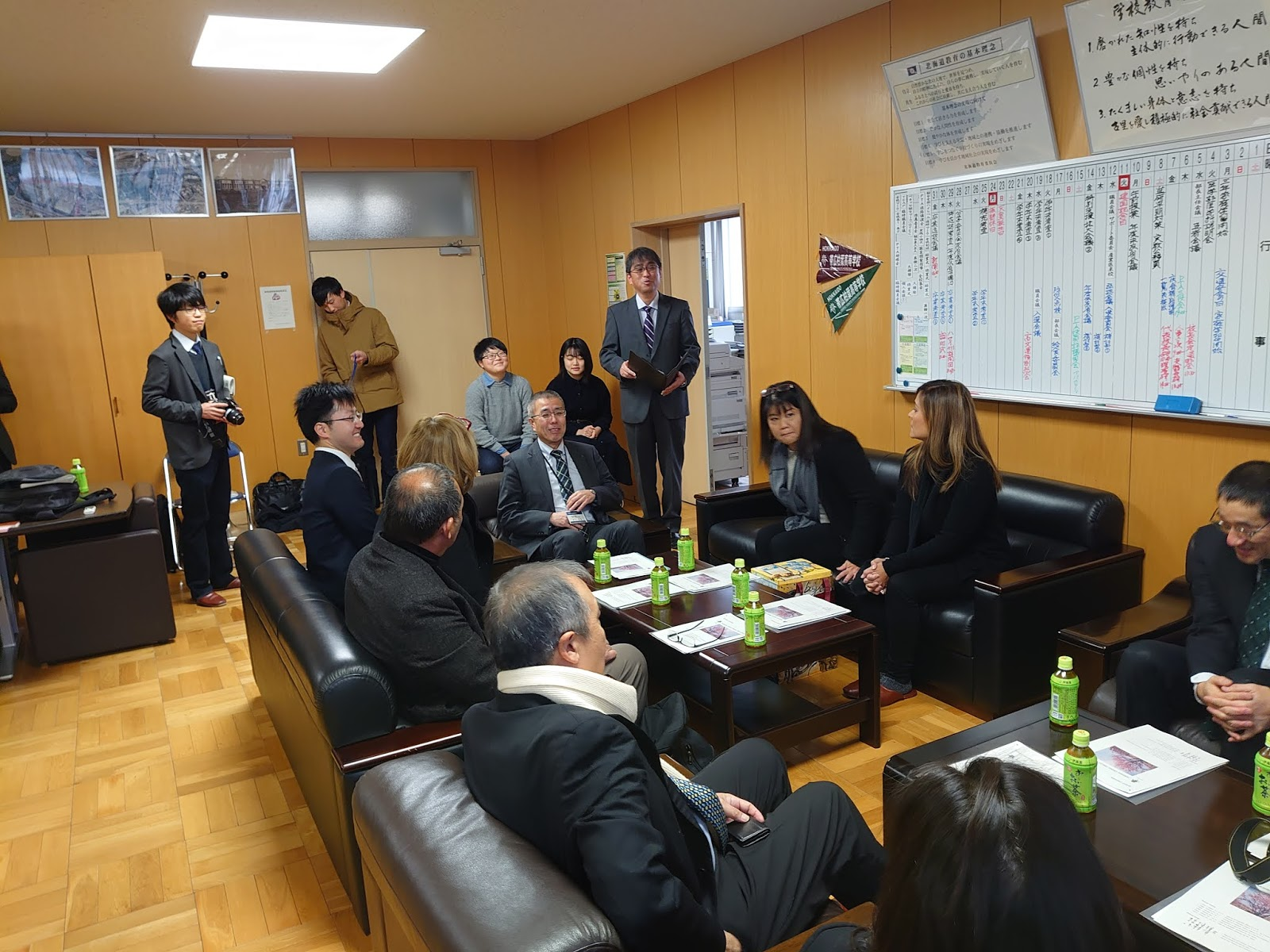 Talk Hokkaido The Delegation From Hawaii Visited Obihiro Hakuyo High School 1