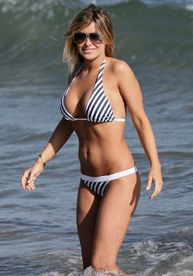 Carmen Electra in beach bikini hot photos