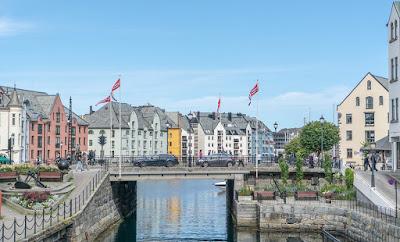 الدراسة في النرويج مجاناً | المميزات والعيوب وطريقة التسجيل بالجامعات النرويجية