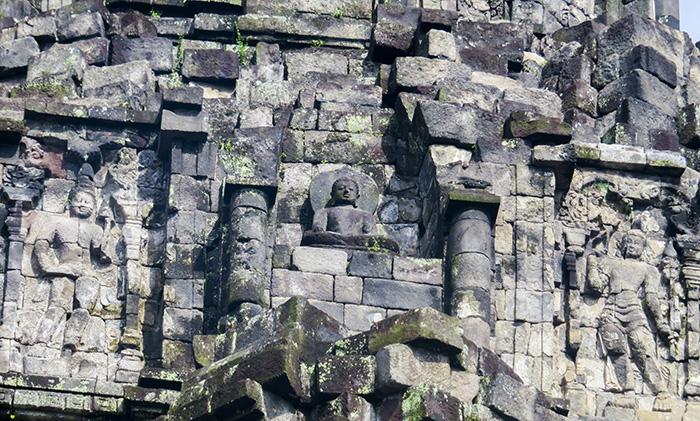 Ukiran Patung Buddha di Candi Kalasan