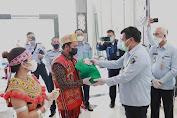 Kemenkumham Kalbar Salurkan Bantuan 140 Paket Sembako Pada Masyarakat Perbatasan