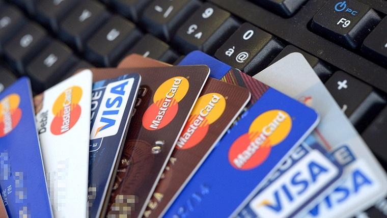 Berapa Banyak Orang Indonesia yang Memakai Kartu Kredit?