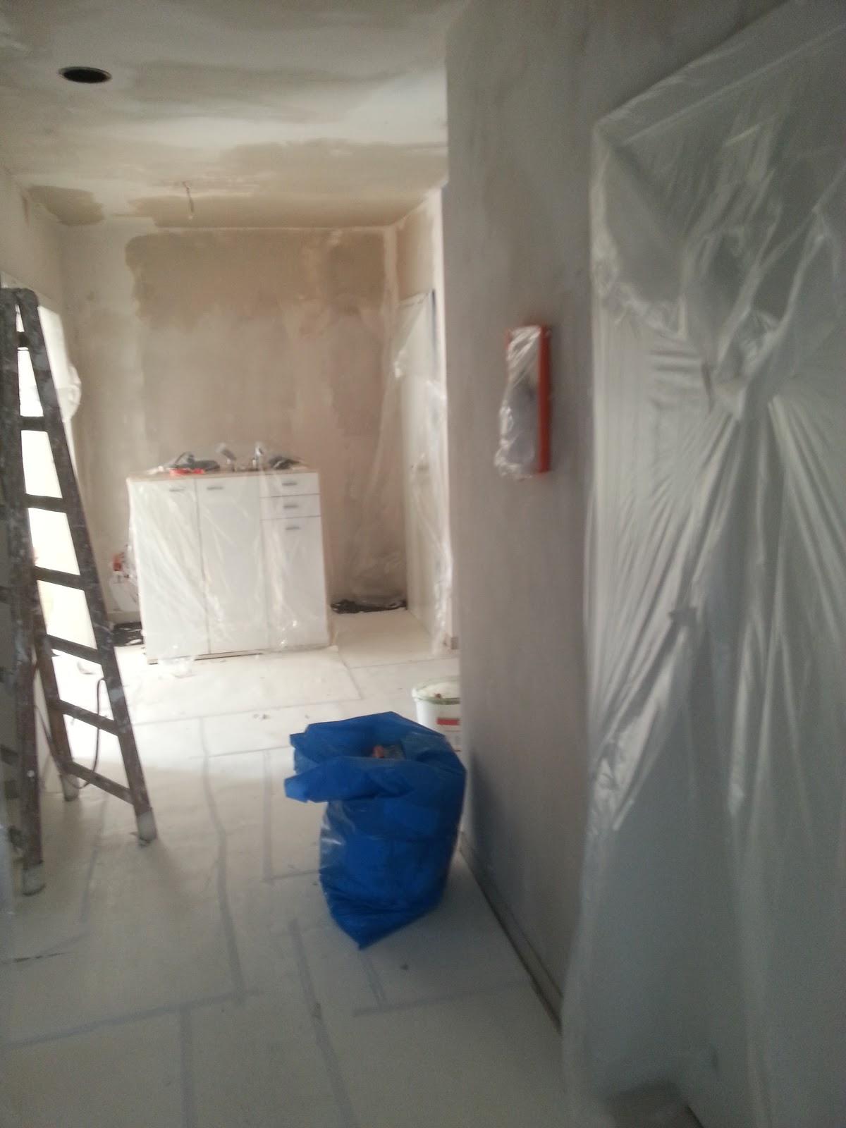 wir bauen ein okal haus zweiter tag der ausbesserungen. Black Bedroom Furniture Sets. Home Design Ideas