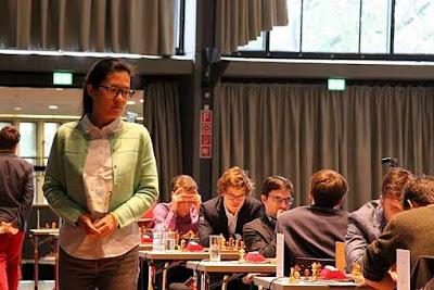 Le choc du jour à suivre en direct à partir de 15h : Hou Yifan affronte Magnus Carlsen pour un test ultime - Photo © Georgios Souleidis