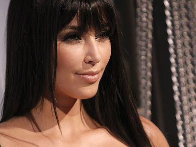 Kim Kardashian Normal Resolution HD Wallpaper 4