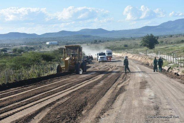 Governo de Pernambuco dá continuidade às obras de implantação e pavimentação da Estrada de Sapucarana