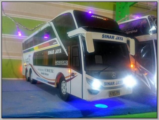Miniatur bus;Kisah Sukses Teguh Slamet Arifin Seorang Perajin Miniatur Bus