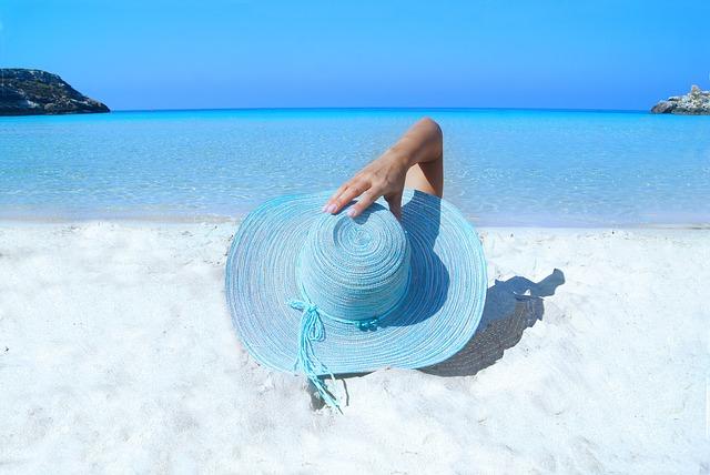 Prendre soin de ses cheveux l'été en vacances !
