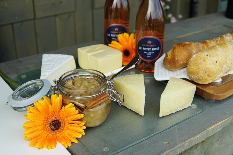 jacob's_creek, sadonkorjuujuhlat, juustotarjotin