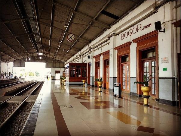 Stasiun Bogor (Buittenzorg Station de Staatsspoorwegen)