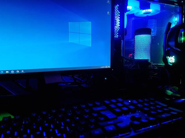 Workstation for blogging