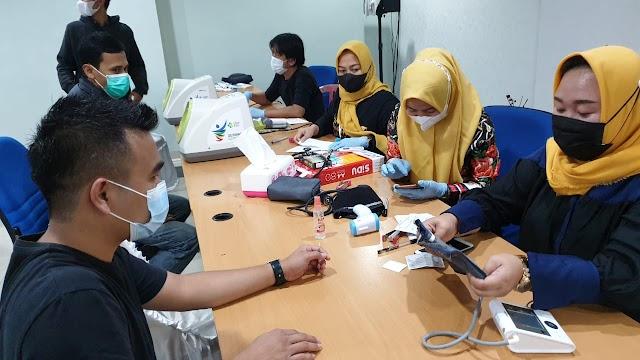 Mantap !! Dinkes Pastikan Pegawai PLN se Lampung Terima Vaksin
