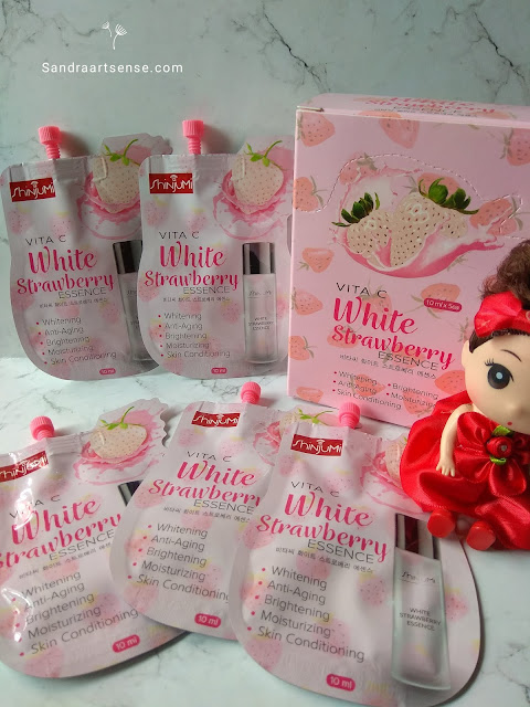 Review ShiNjuMi Vita C White Strawberry Essence