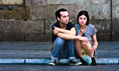 7 Signs Your Relationship Will Not Work Out,sad man woman breakup sitting on pavement