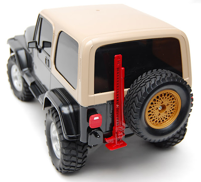 Tamiya Jeep Wrangler spare tire and high lift jack