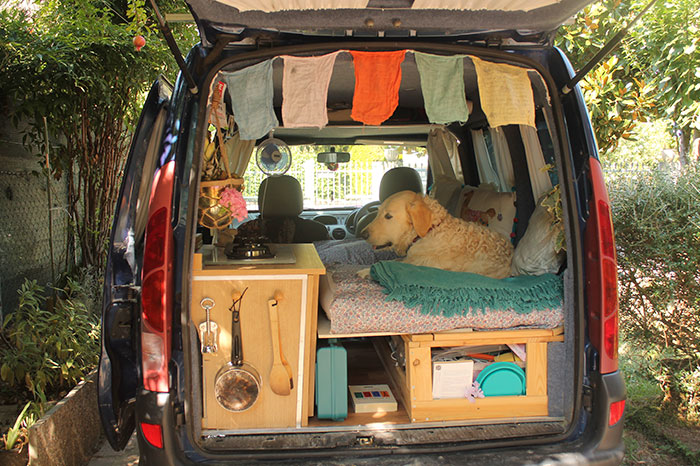 Woman Restores Old Van On Her Own - The Reason Will Surprise You