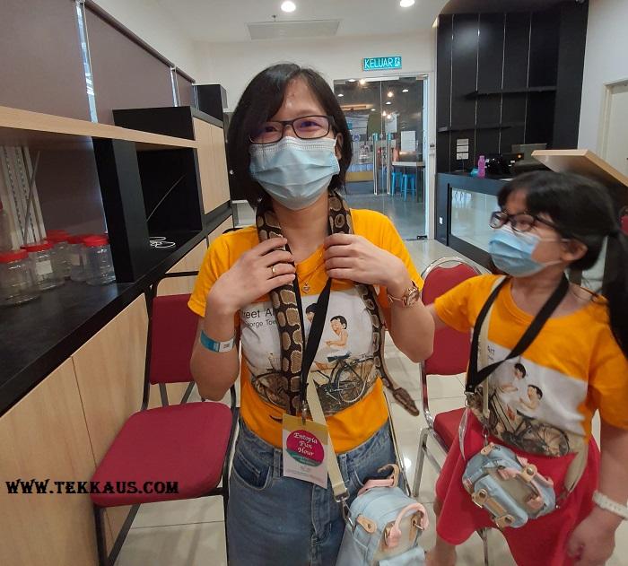 Fun Hour at Entopia Penang-Ball Python