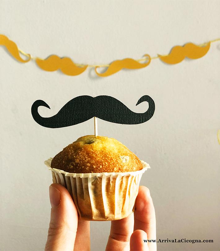 baffetti su stecchino usati come topper per muffin e dolcetti