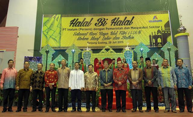 Jajaran direksi PT Inalum bersama Wakil Bupati Batubara dan stakeholder lainnya saat halal bi halal.