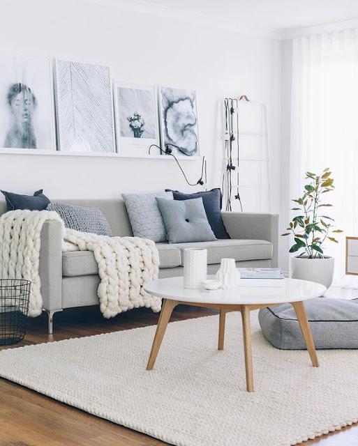 Sofá com manta