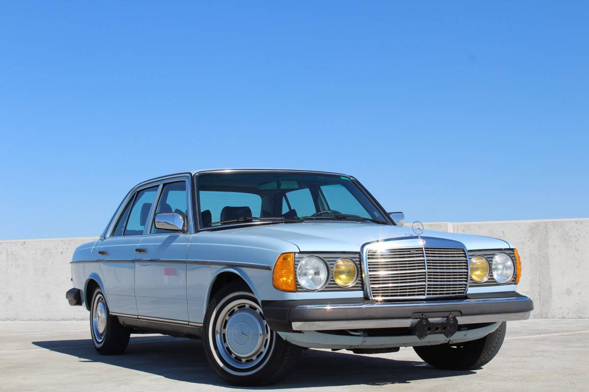 Daily Turismo Baby Blues 1977 Mercedes Benz 240d