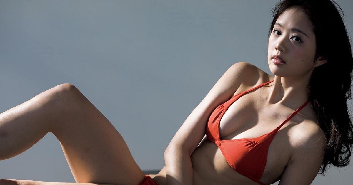 Mature women bra photos