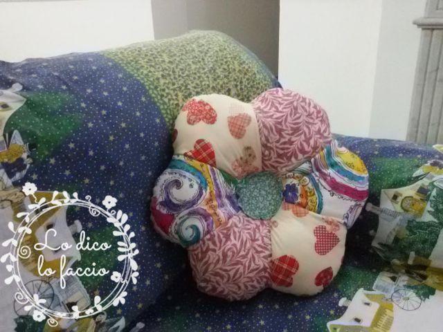 cuscino a fiore tutorial