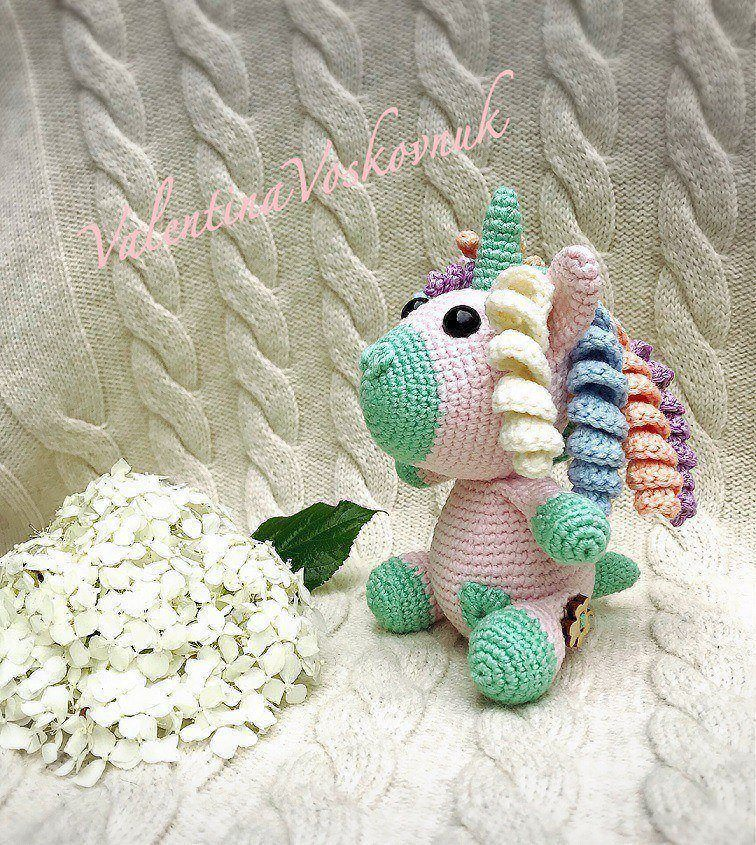 Amigurumi unicorn crochet toy