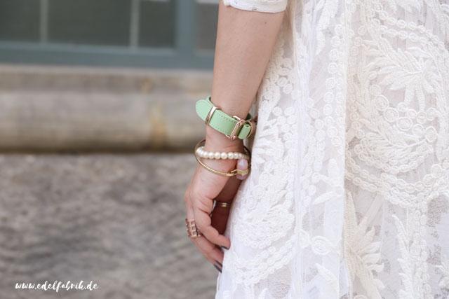 die edelfabrik, Outfit mit weißem Spitzenkleid, Look