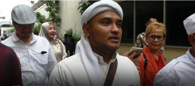 Biar Ditemui KH Ma'ruf Amin, Novel Bamukmin: Jangan Harap Habib Rizieq Mau Dukung Jokowi