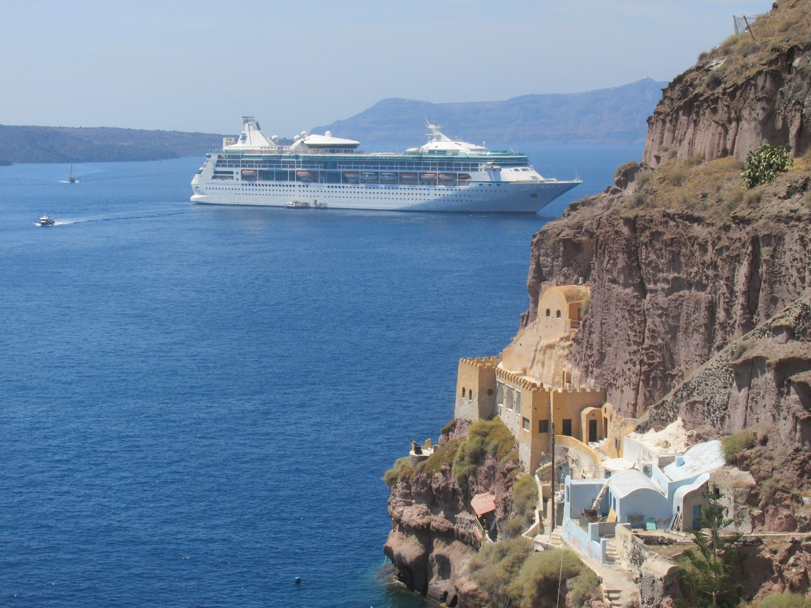 A Visit To One Of The Greek Islands Santorini In The Sunshine All Things Nice