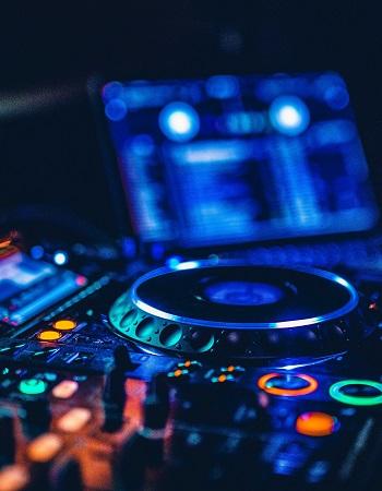 DJ SERVICES (CRETE)