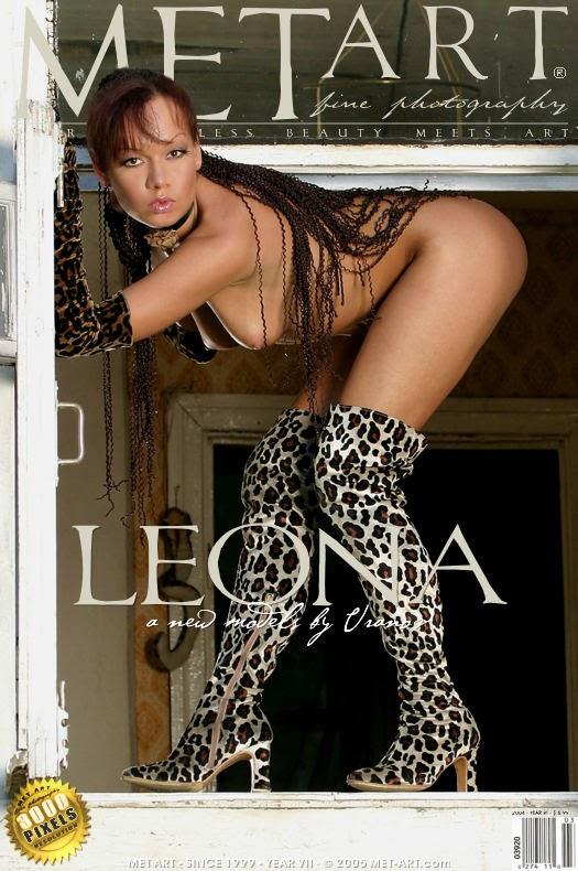 20050801_-_Leona_-_Leona_-_by_Uranov.zip.0000_cover Met-Art 20050802 - Bourboulon's Girls - Bermuda - by J.Bourboulon