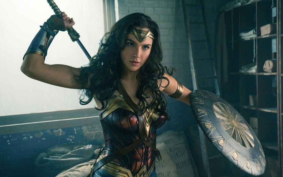 """Trailer final de """"Mulher Maravilha"""" é ainda mais enérgico"""