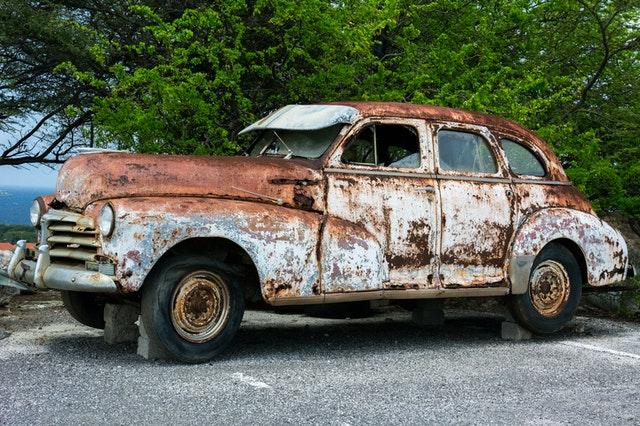mengenal ciri-ciri mobil bekas kena banjir