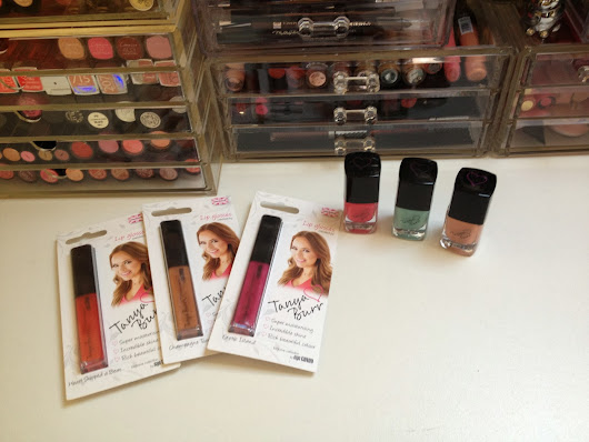 La Collection Make Up Lipgloss et Nails de Tanya Burr