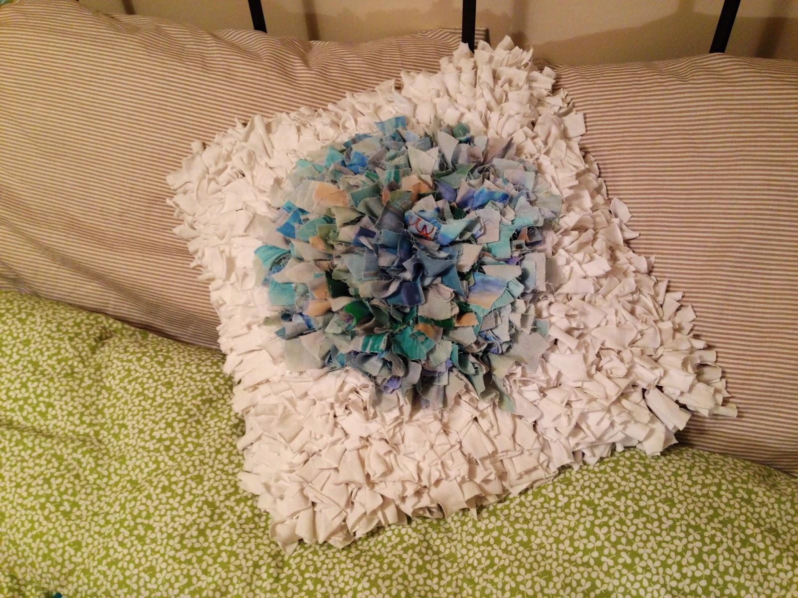 Hattie S Haberdashery Rag Rug Cushion