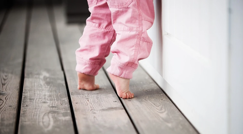 Why does a child walk on tiptoes: what is the reason, what to do with it and how to wean it