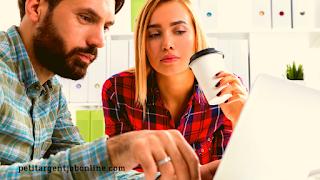 Homme et femme travail en ligne rédacteur web freelance travail en ligne