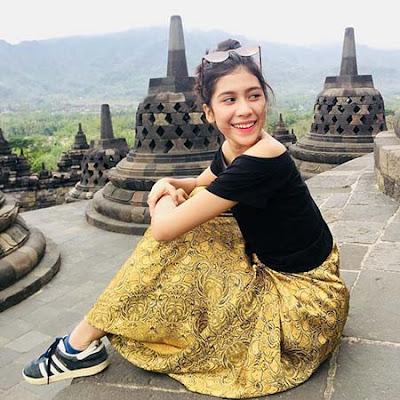 Cut Ashifa di Borobudur